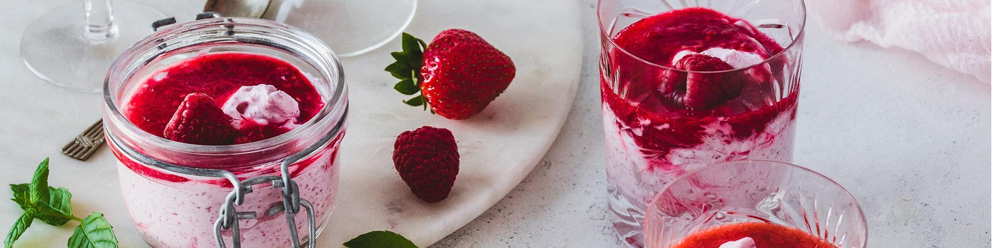 Puolukkavispin mansikkakastikkeella on perinteisen herkun päivitetty versio.